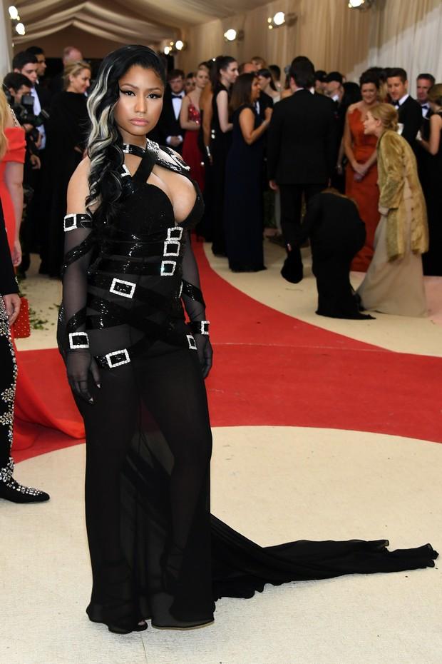 Nicki Minaj no baile de gala do MET, em Nova York (Foto: AFP)
