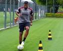 Em recuperação de cirurgia no joelho, Breno treina com bola no São Paulo
