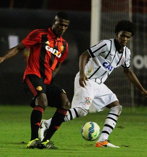 Sport e Corinthians Sub-17 (Foto: Marlon Costa (Pernambuco Press))