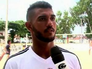 Neto busca patrocínio para viagem ao Paraguai  (Foto: Reprodução/TV Gazeta)