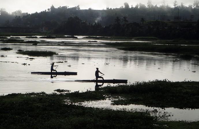 Atletas da canoagem de Ubaitaba nas águas do Rio de Contas (Foto: Raphael Carneiro)