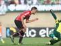 Erros, tristeza, vergonha: jogadores lamentam rebaixamento do Goiás