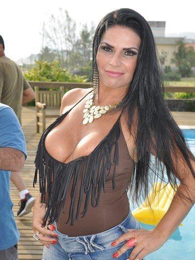 """Solange Gomes participou dagravação do clipe """"Bombeirão"""" do cantor Leo Lemos (Foto: Anderson Mattos/divulgaçao)"""