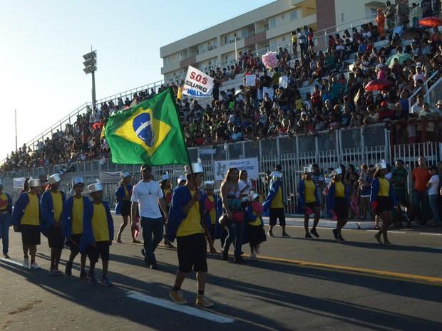 Desfile Cívico de 13 de setembro, data celebra criação do ex-Território Federal do Amapá (Foto: Jéssica Alves/G1)