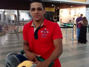Turista de Rondônia diz que o desembarque é um problema para ser resolvido no aeroporto de Fortaleza (Foto: Gioras Xerez/G1 Ceará)