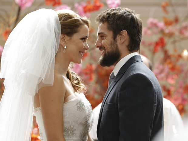 A felicidade está estampada no rosto do casal (Foto: Felipe Monteiro/TV Globo)