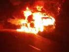 Incêndio destrói ônibus transportando alunos do IFPE na Serra das Russas