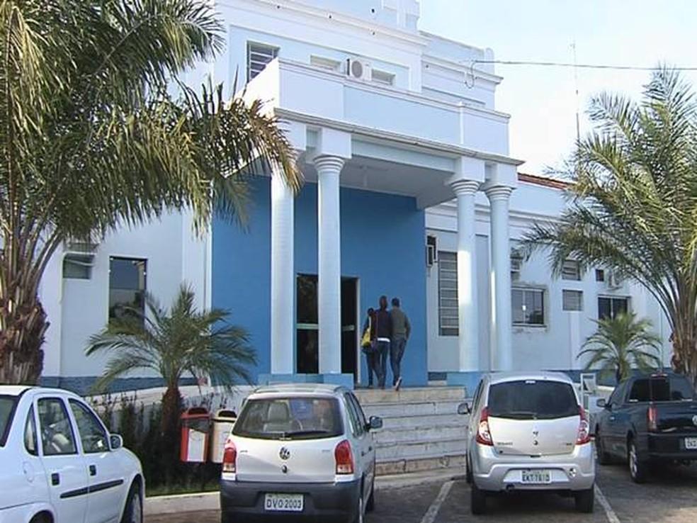 Vítima continua internada na Santa Casa de Penápolis (Foto: Reprodução/ TV TEM)
