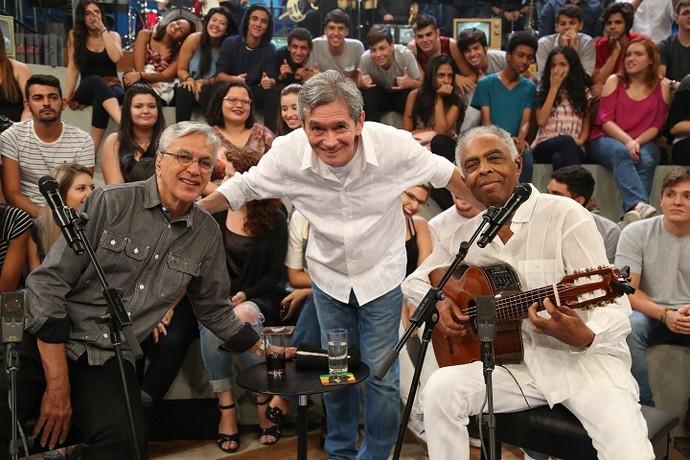 Caetano e Gil posam ao lado de Serginho Groisman (Foto: Carol Caminha/Gshow)