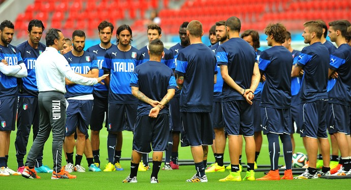 itália treino arena pernambuco (Foto: Aldo Carneiro / Pernambuco Press)
