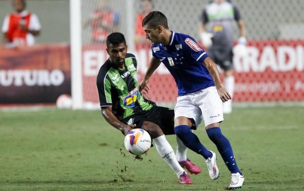 Arrascaeta, meia do Cruzeiro