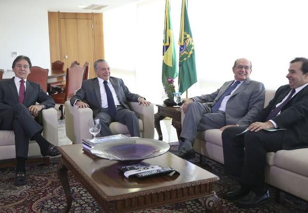 Eunício Oliveira, Michel Temer, Gilmar Mendes e Rodrigo Maia reúnem-se para discutir Reforma Política (Foto: Antonio Cruz/ Agência Brasil)