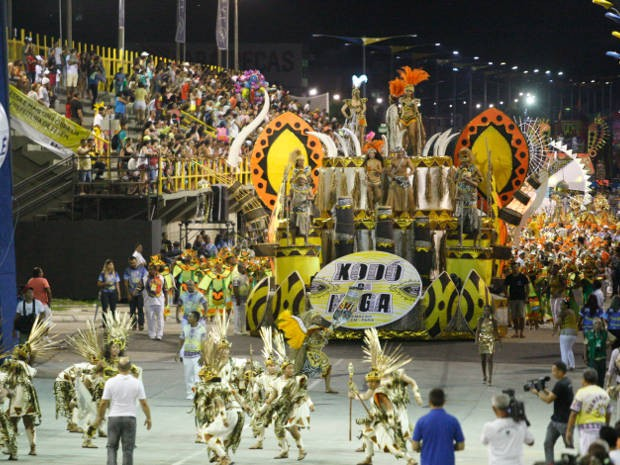 Técnicos finalizam ajustes na Aldeia Amazônica para o desfile oficial dos blocos e escolas de samba de Belém (Foto: Everaldo Nascimento/O Liberal)