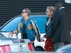 Miley Cyrus faz programa a dois com a namorada, Stella Maxwell
