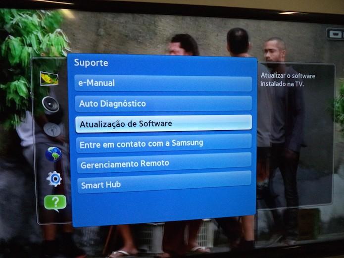Acessando a atualização de software (Foto: Reprodução/Marvin Costa)