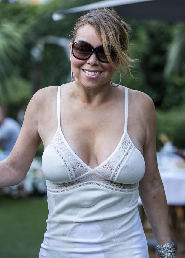 Mariah Carey em Saint Tropez, na França (Foto: Grosby Group/ Agência)