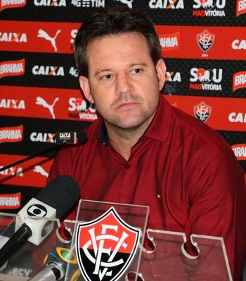 Argel Fucks; Vitória (Foto: Francisco Galvão/EC Vitória/ Divulgação)