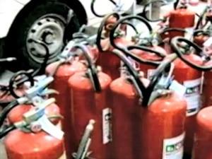 Cresce venda de extintores após tragédia de Santa Maria (Foto: Reprodução/ RBS TV)