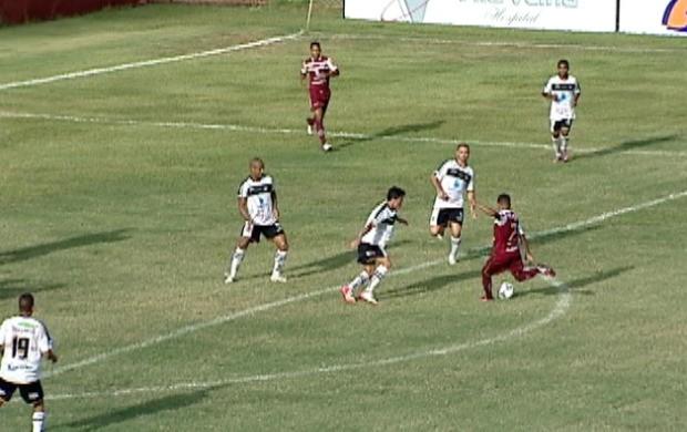 Desportiva Ferroviária x Estrela do Norte (Foto: Reprodução/TV Gazeta)