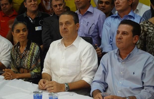 Vanderlan Cardoso, Marina Silva e Eduardo Campos em Goiânia, Goiás (Foto: Sílvio Túlio/G1)