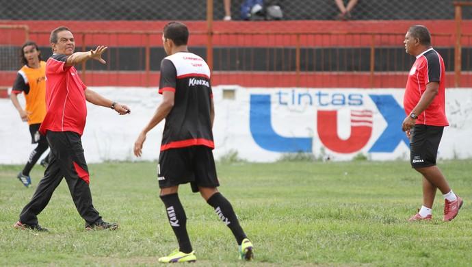 Francisco Diá, técnico do Campinense (Foto: Júlio Cezar Peres / Jornal da Paraíba)