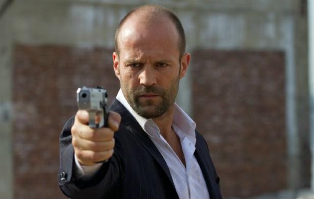 Outro membro d'Os Mercenários', Jason Statham, também dispensa ajuda de um sósia nas sequências de mais ação. (Foto: Reprodução)