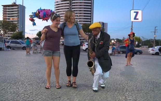Dom Carioca vive de arte (Foto: Zappeando)