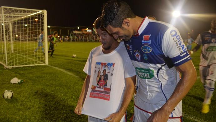 Edilsinho marca os dois gols da vitória do Vilhena diante do Ji-Paraná (Foto: Lauane Sena)