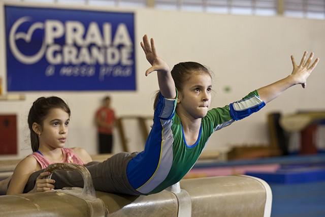 Aluna de ginástica artística (Foto: Felipe França)