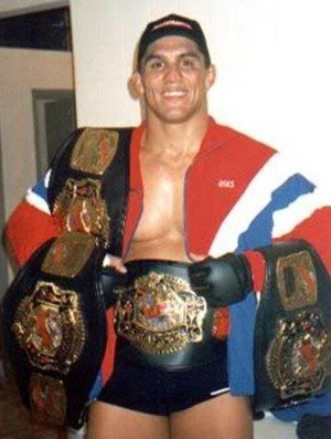 Frank Shamrock campeão do UFC entre 1997 e 1999  (Foto: reprodução)