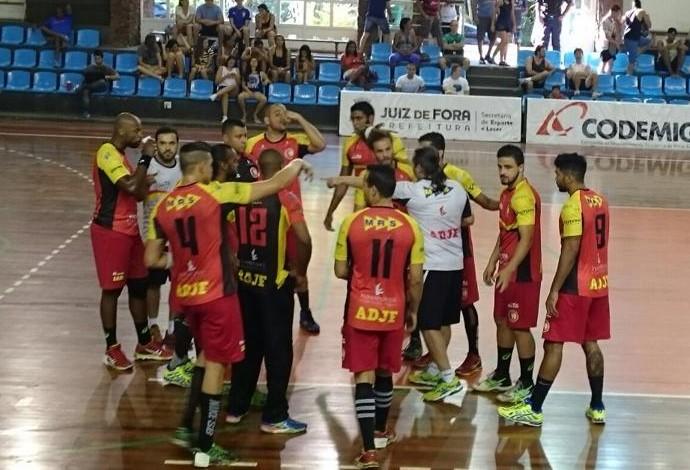 ADJF contra Pinheiros jogando em Juiz de Fora (Foto: ADJF/Divulgação)