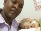 Abandonado pela mulher e pai de 6 larga tudo para cuidar de filha doente