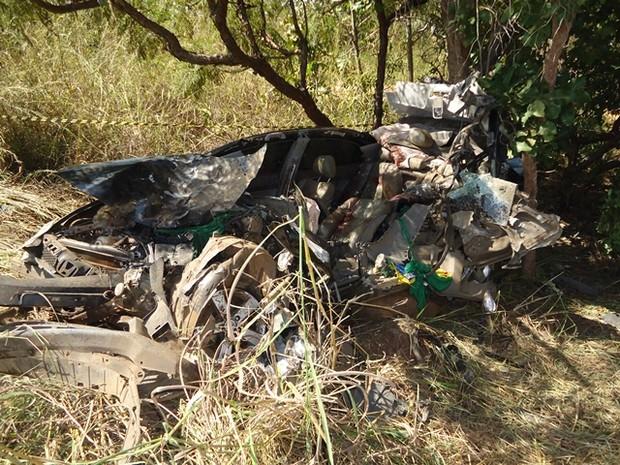 Acidente na BR-153 matou quatro pessoas da mesma família (Foto: Divulgação/PRF-TO)