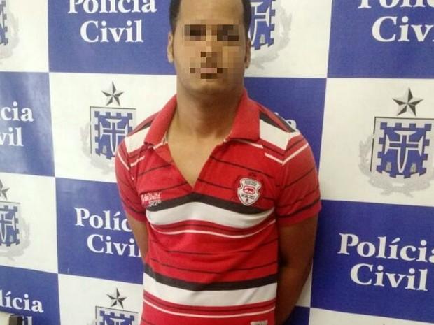 Wallace foi preso em um estacionamento da Avenida ACM (Foto: Divulgação/Polícia Civil)