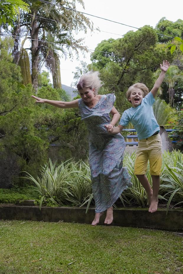 Raffael Piettro e a mãe, Carla Cristiane (Foto: Gutho Oliveira/Divulgação)