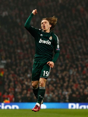 modric manchester united x real madrid (Foto: AP)