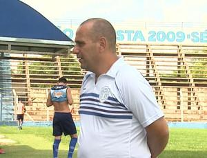 Betão Alcântara , técnico do Monte Azul (Foto: Valdinei Malaguti / EPTV)