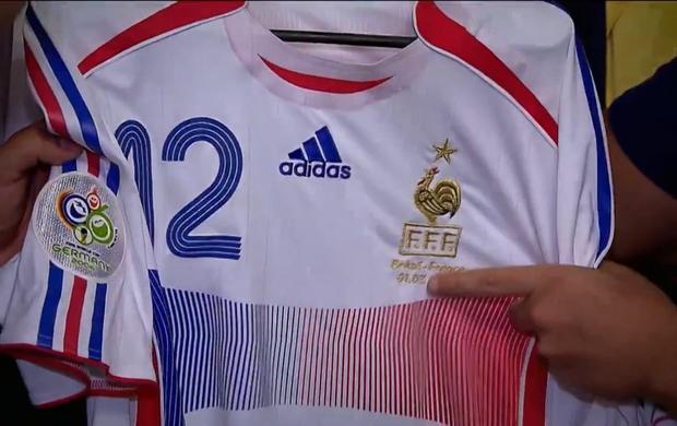 Camisa do carrasco Thierry Henry na Copa - Tá na Área (Foto  Reprodução  SporTV 6079ec08f0d06
