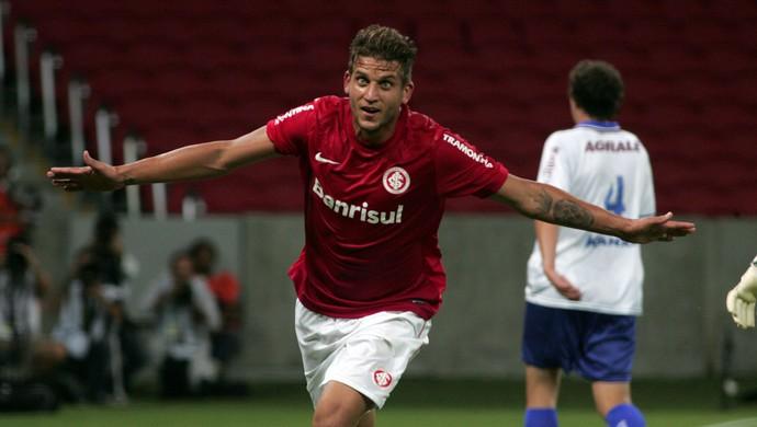 Rafael Moura comemora gol contra o Caxias (Foto:  Wesley Santos/Agência PressDigital/Divulgação)