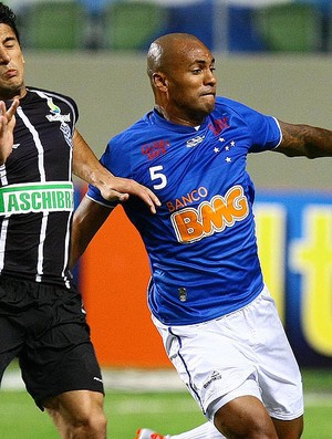 Amaral e Ygor, Cruzeiro x Figueirense (Foto: Emmanuel Pinheiro / Ag&#234;ncia Estado)