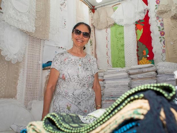 Egídia Ribeiro de Morais, 73 anos, permissionária de uma loja de confecções, conhecida como Zizi das Rendas (Foto: Egi Santana/ G1)