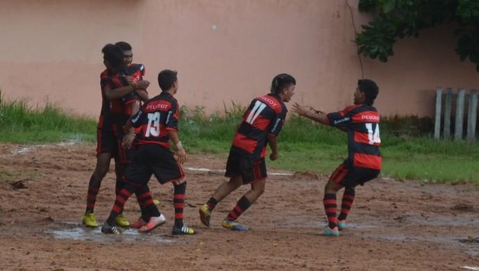 Flamengo x São Francisco, campeonato santareno sub-17 (Foto: Gustavo Campos/GloboEsporte.com)