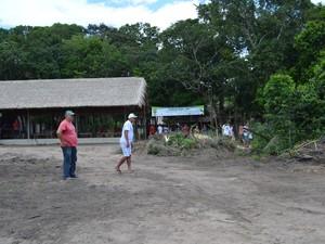 Área descampada para instalação de hortas (Foto: Ana Carolina Maia/G1)