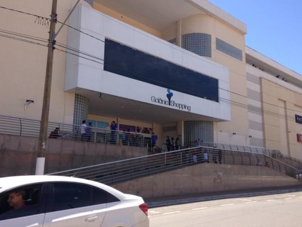 Goiânia Shopping é alvo de tiro na capital (Foto: Elisângela Nascimento/G1)