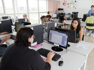 Vagas para curso de informática no CEU em Santa bárbara são para adultos  (Foto: Divulgação/Prefeitura)