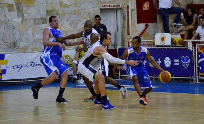 Rio Claro vence São José e segue vivo no Campeonato Paulista de Basquete 34278a6d22077