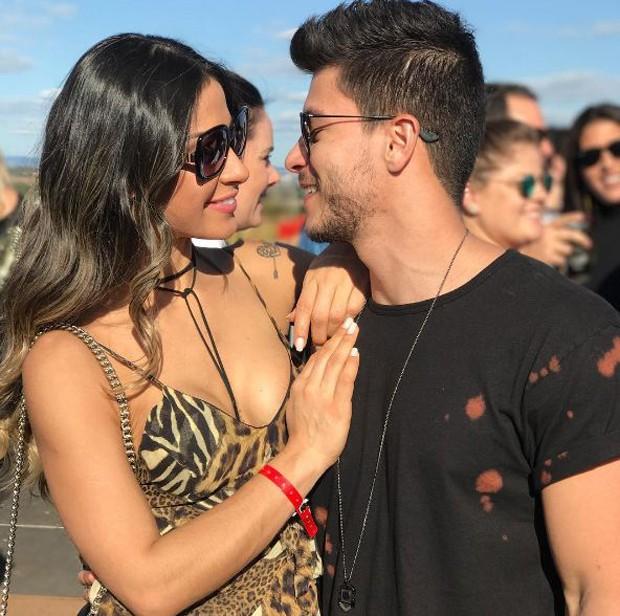 Mayra Cardi e Arhtur Aguiar (Foto: Reprodução/Instagram)