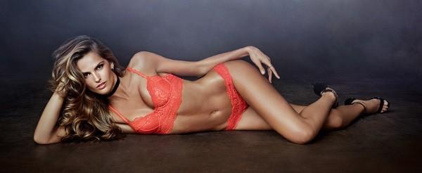 Izabel Goulart está entre as modelos que vão desfilar pela grife terça-feira (30) (Foto: Divulgação)