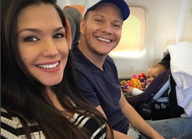 Thais Fersoza, Michel Teló e Melinda (Foto: Reprodução/Instagram)