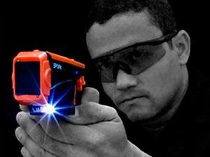 Spark, dispositivo elétrico similar à pistola Taser, será apresentado (Foto: Cedida/Sesed/RN)